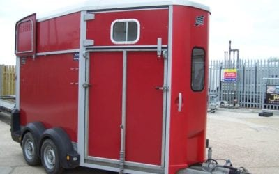 Used Ifor Williams HB511 in Red carries two horses up to 17.2 hands